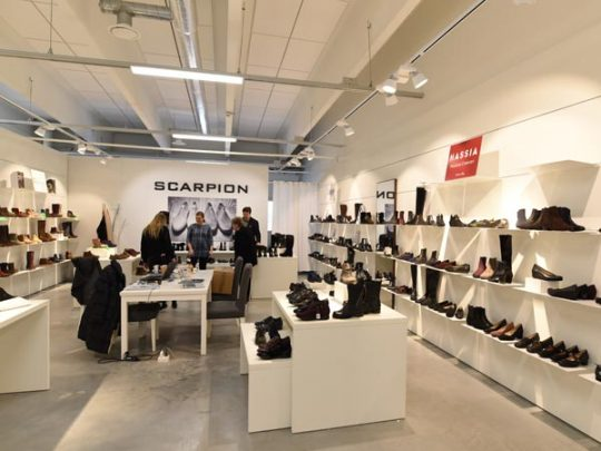 Scarpion, Showroom 2E3
