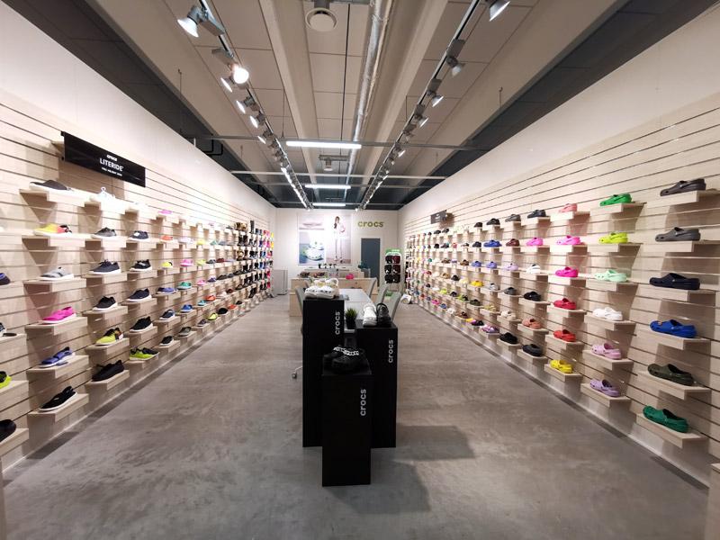 Crocs, Showroom 2E12